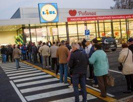 Lidl на 7% увеличивает зарплаты своих работников в Литве